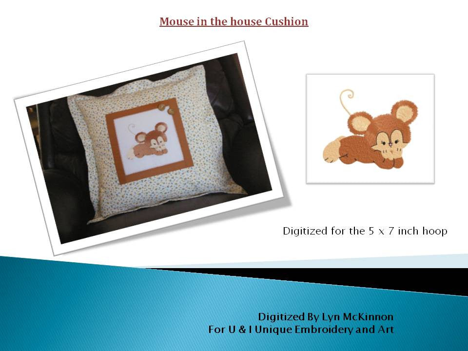 P023-Mouse in the house Cushion