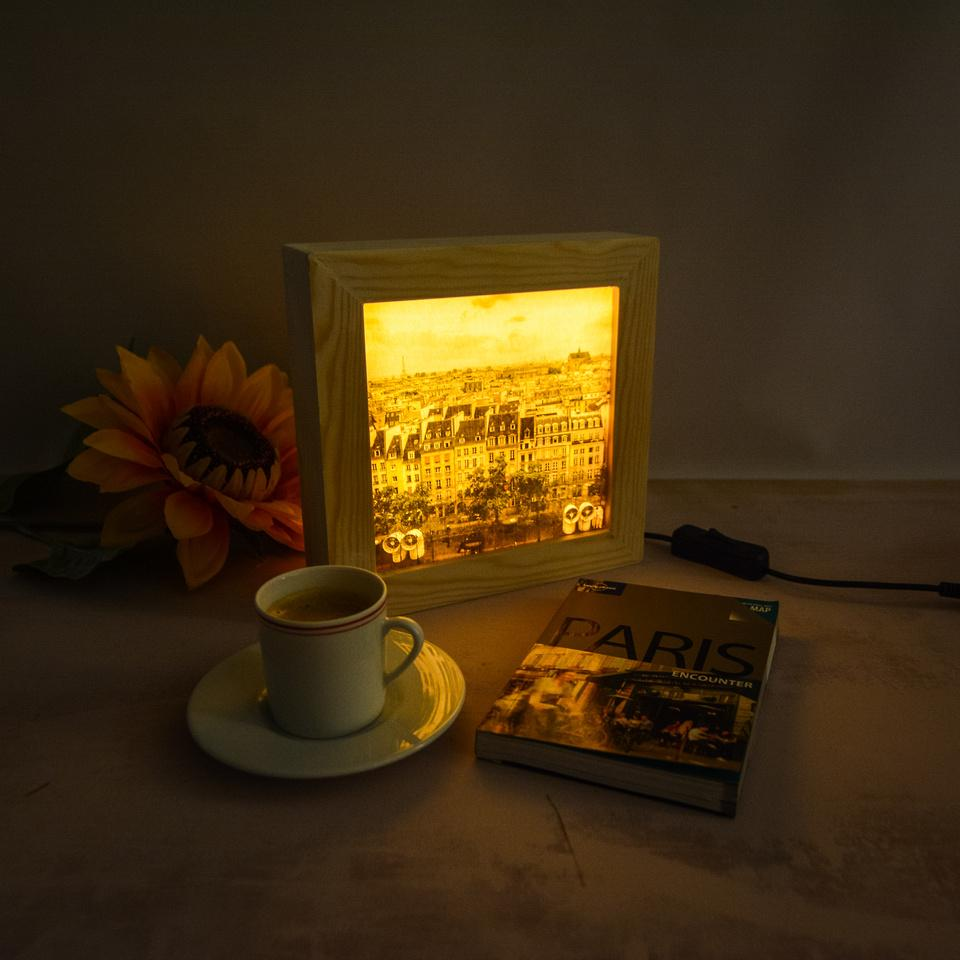 Accessories for a living room: the Paris, Mon Amour lightbox