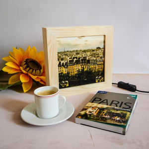This light box feature a Paris print