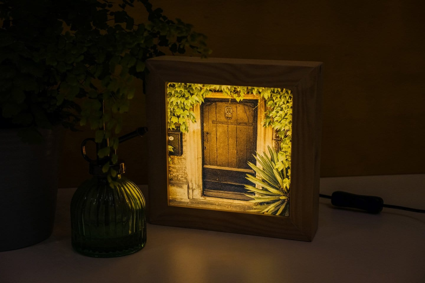 A plug-in light box