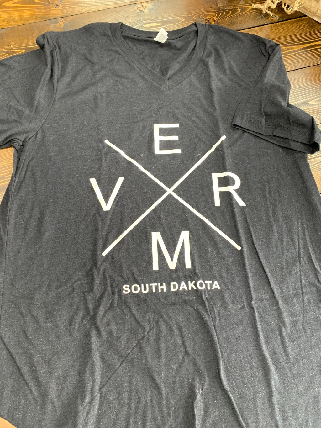 Short sleeved V.E.R.M Bella gray v-neck T with white  - L