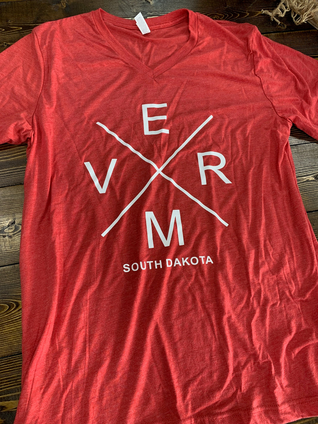 Red V-neck Bella V.E.R.M t-shirt - L