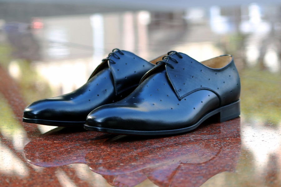 Perforated Calfskin Oxford Black
