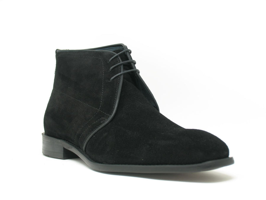 Suede Chukka Boot Black