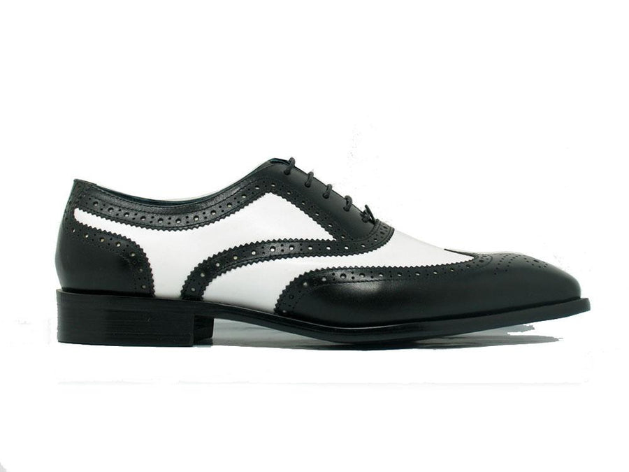 Calfskin Spectator Wingtip Oxford Black/White