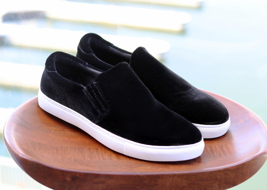 Carrucci by Maurice Velvet Slip-On Sneaker Black