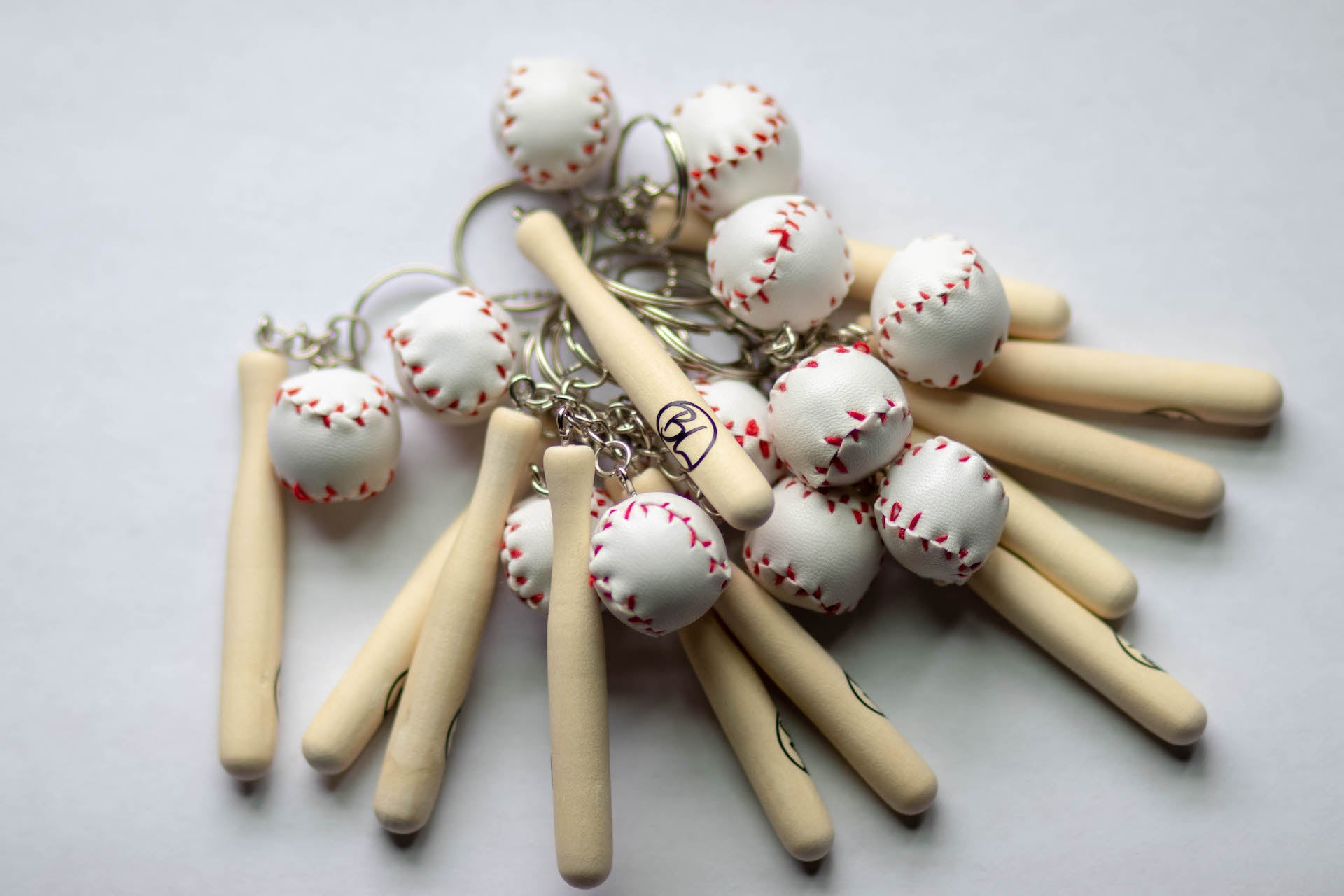 Baseball Legend Bat & Ball Keychain - Baseball Legend Apparel