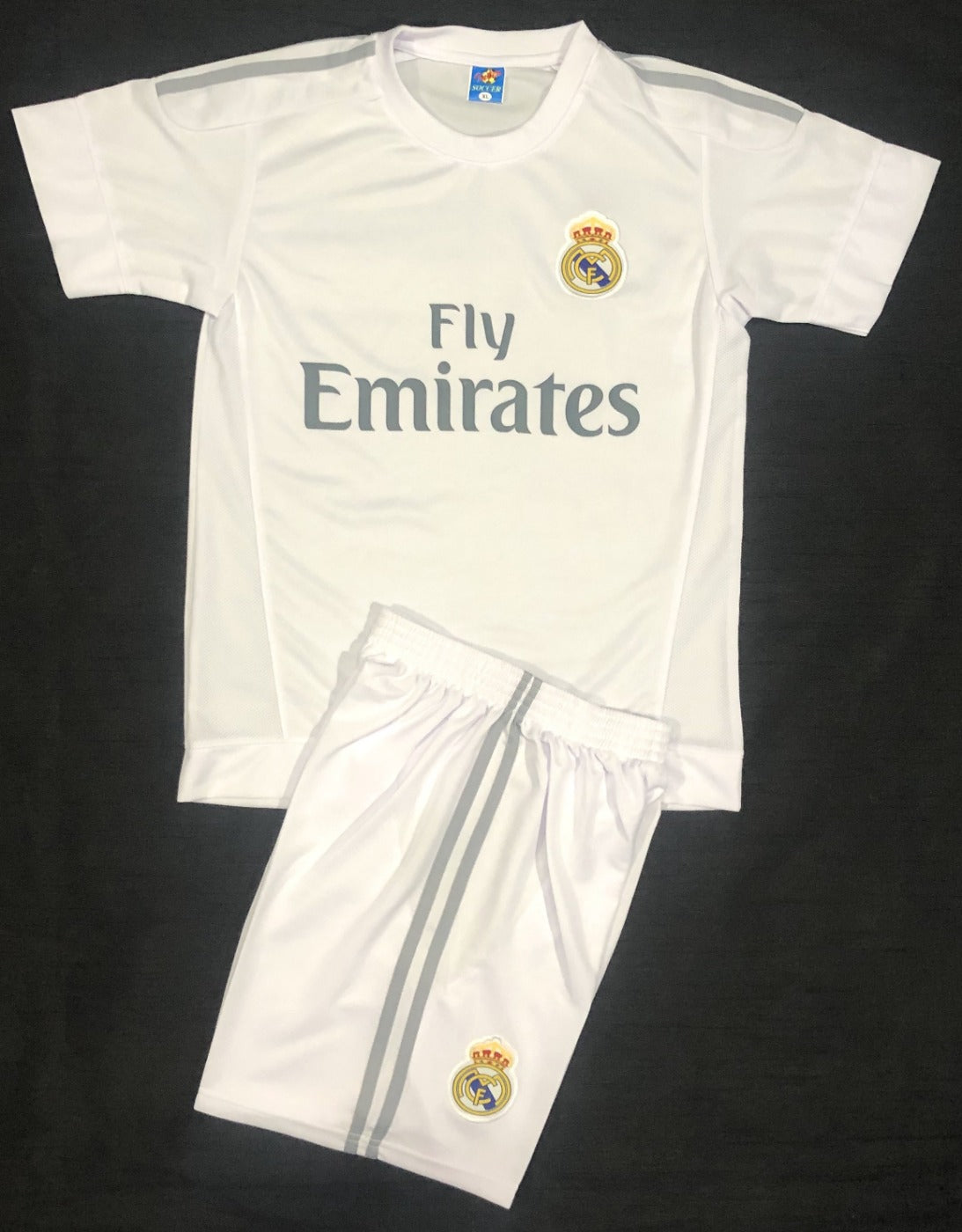 REAL MADRID HOME 2015/16 KIDS 2-PIECE SOCCER SET