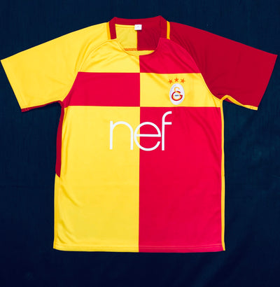 Galatasaray Home Shirt 2017/18 ~ Adult Replica