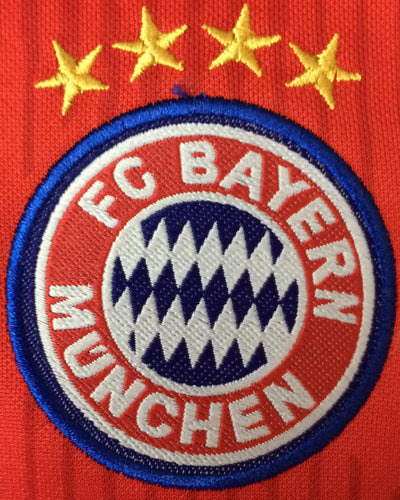 BAYERN MUNICH HOME KIDS 2-PIECE SOCCER SET