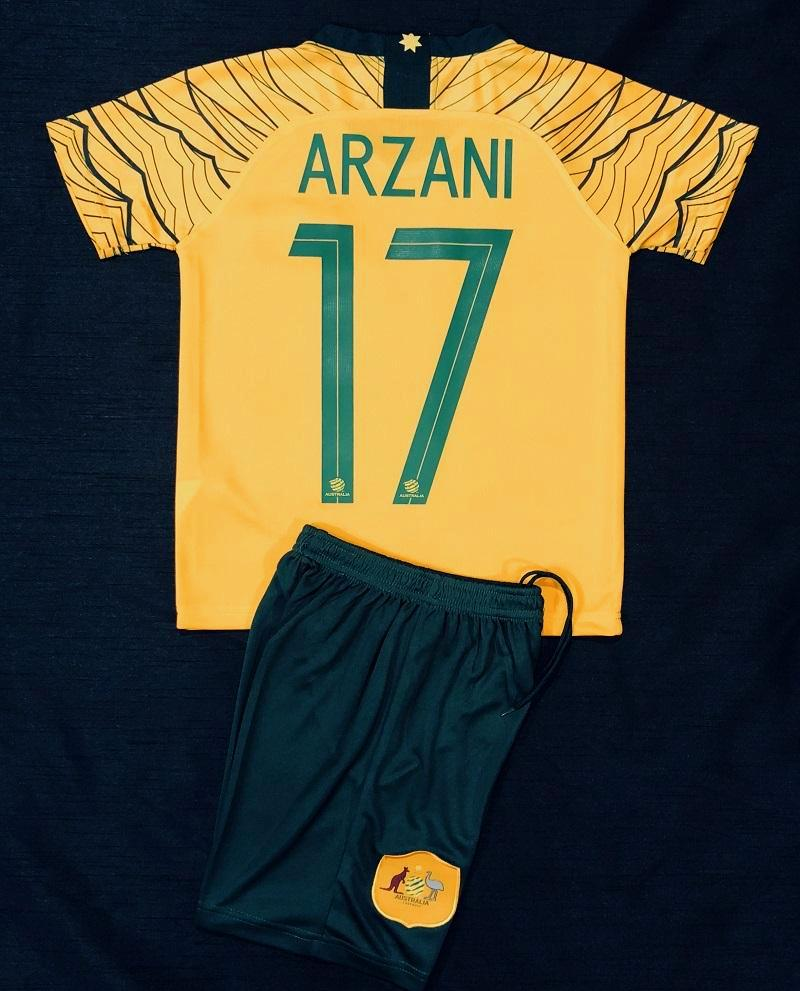 """ARZANI 17"" SOCCEROO HOME WORLD CUP 2018 KIDS 2-PIECE SOCCER SET"