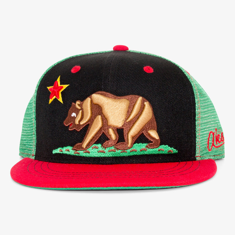 Aksels California Grizzly Trucker Hat - White