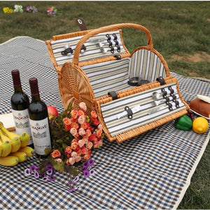 Old Fashion Wicker Picnic Basket