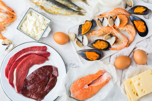 Foods containing vitamin B12 - meat, offal, fish, eggs, cheese