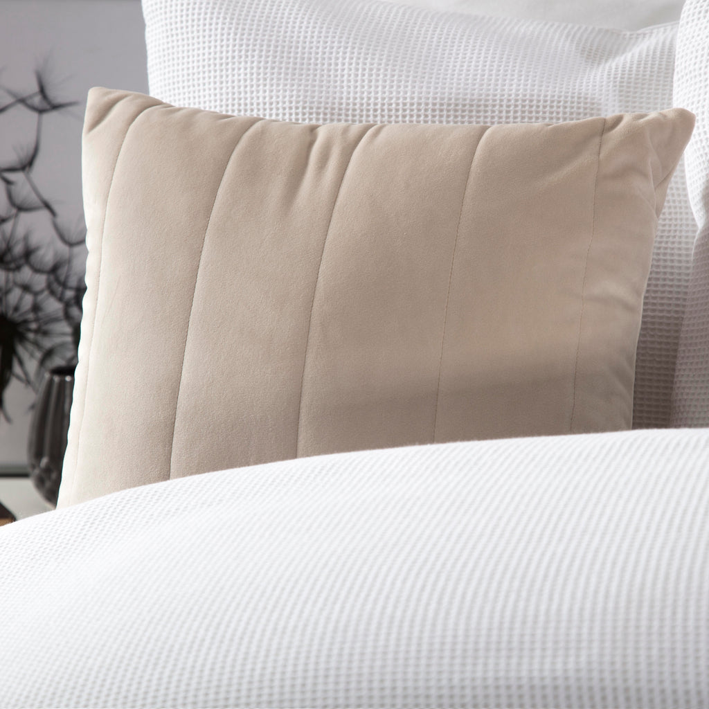 Belledorm Verona Linen Cushion Cover