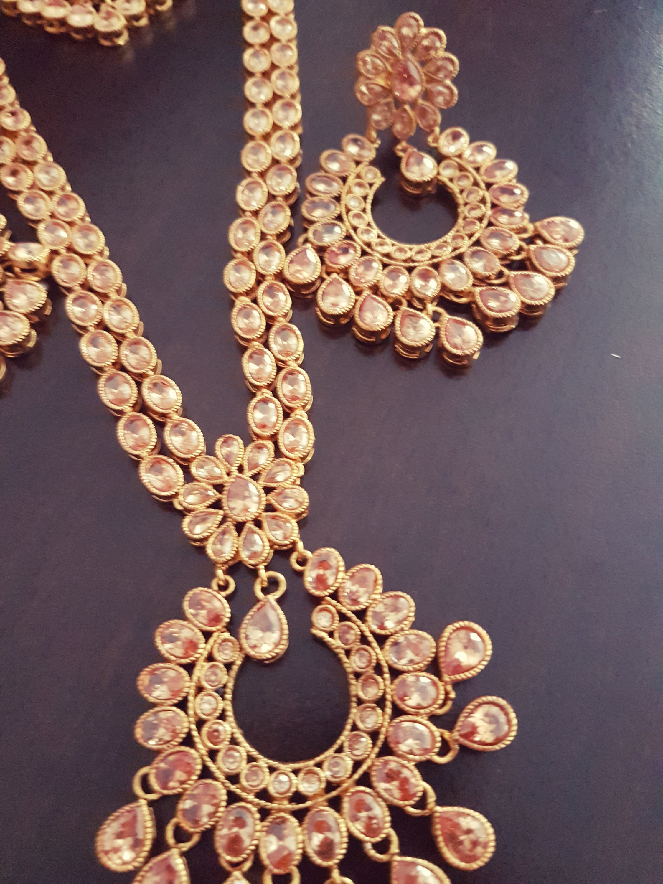 Gorgeous Indian polki bridal party wear necklace with mangtikka and earrings set (Long Version) - Pink Chunari