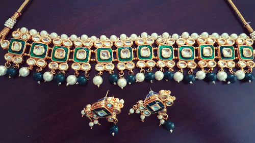 Gorgeous Indian green kundan bridal / non-bridal choker earrings set with white and green beads - Pink Chunari