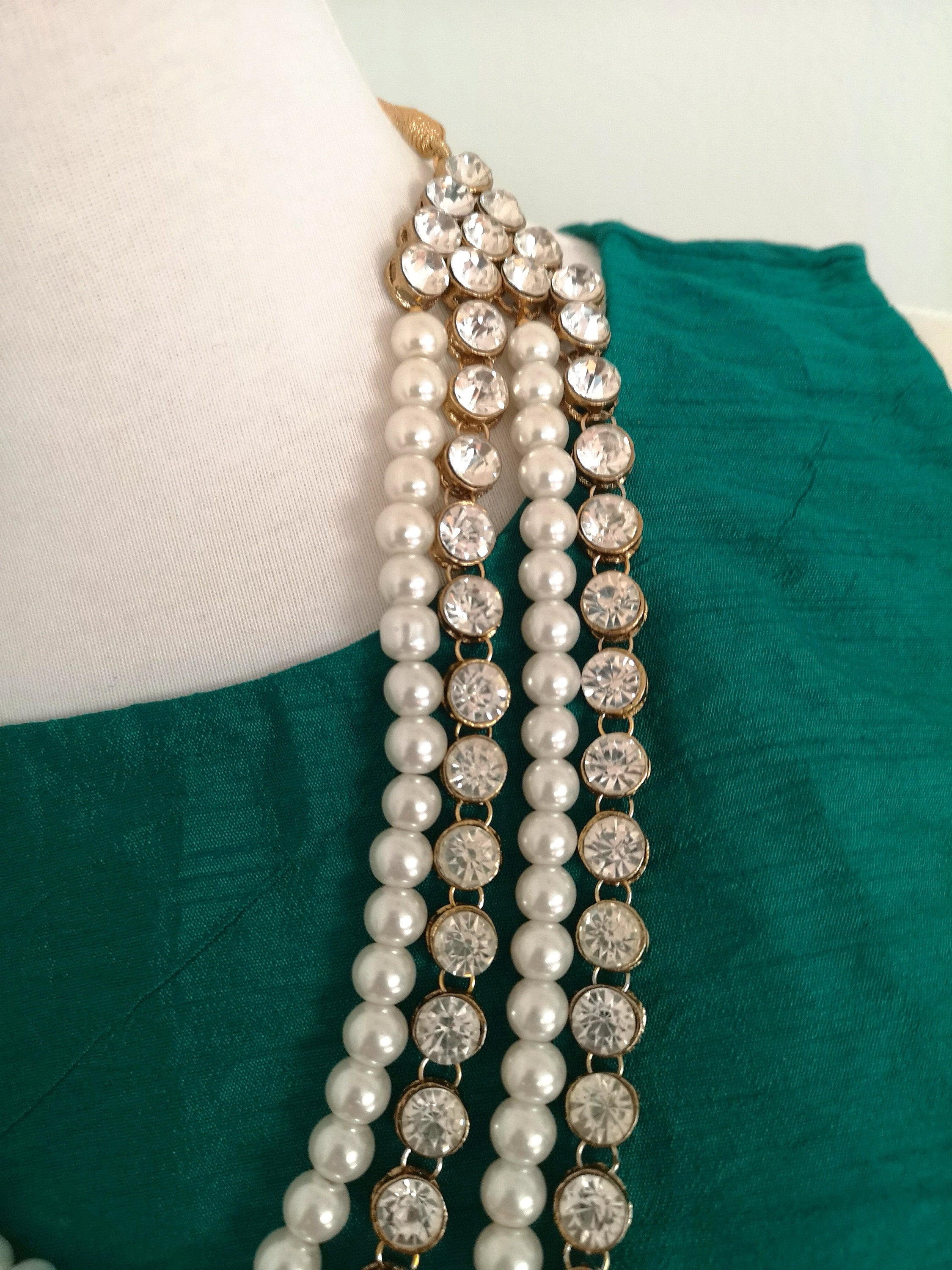 Gorgeous kundan bridal / non-bridal necklace with pearls and green semi-precious stone beads - Pink Chunari