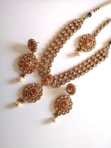 Gorgeous Indian high quality kundan choker necklace with earrings and maangtika Indian Pakistani Bride Bridesmaid