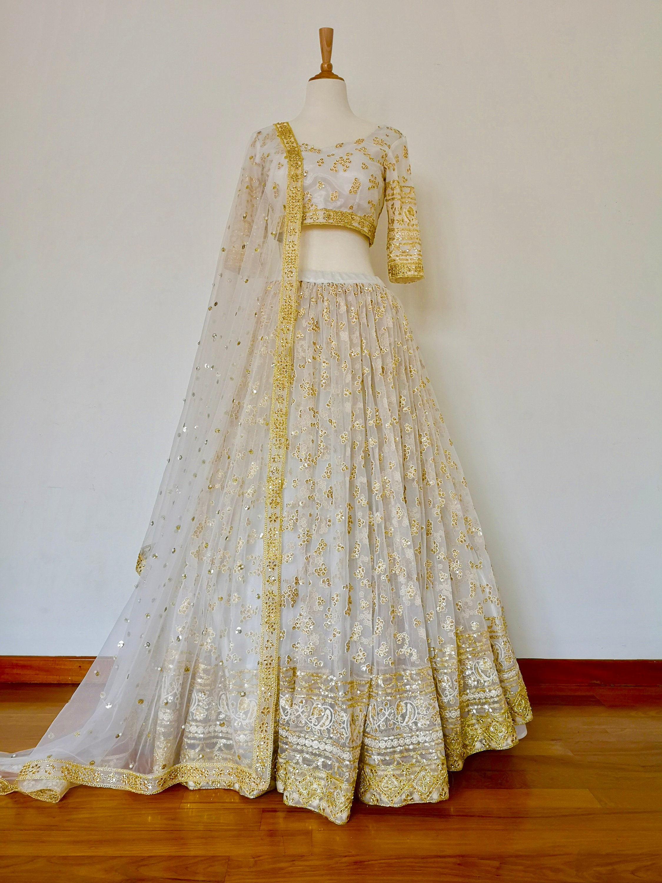 Sabyasachi Kareena Kapoor white Gold sequins embroidered for lehenga, Indian Pakistani wedding bride bridal bridesmaid, customisable - Pink Chunari
