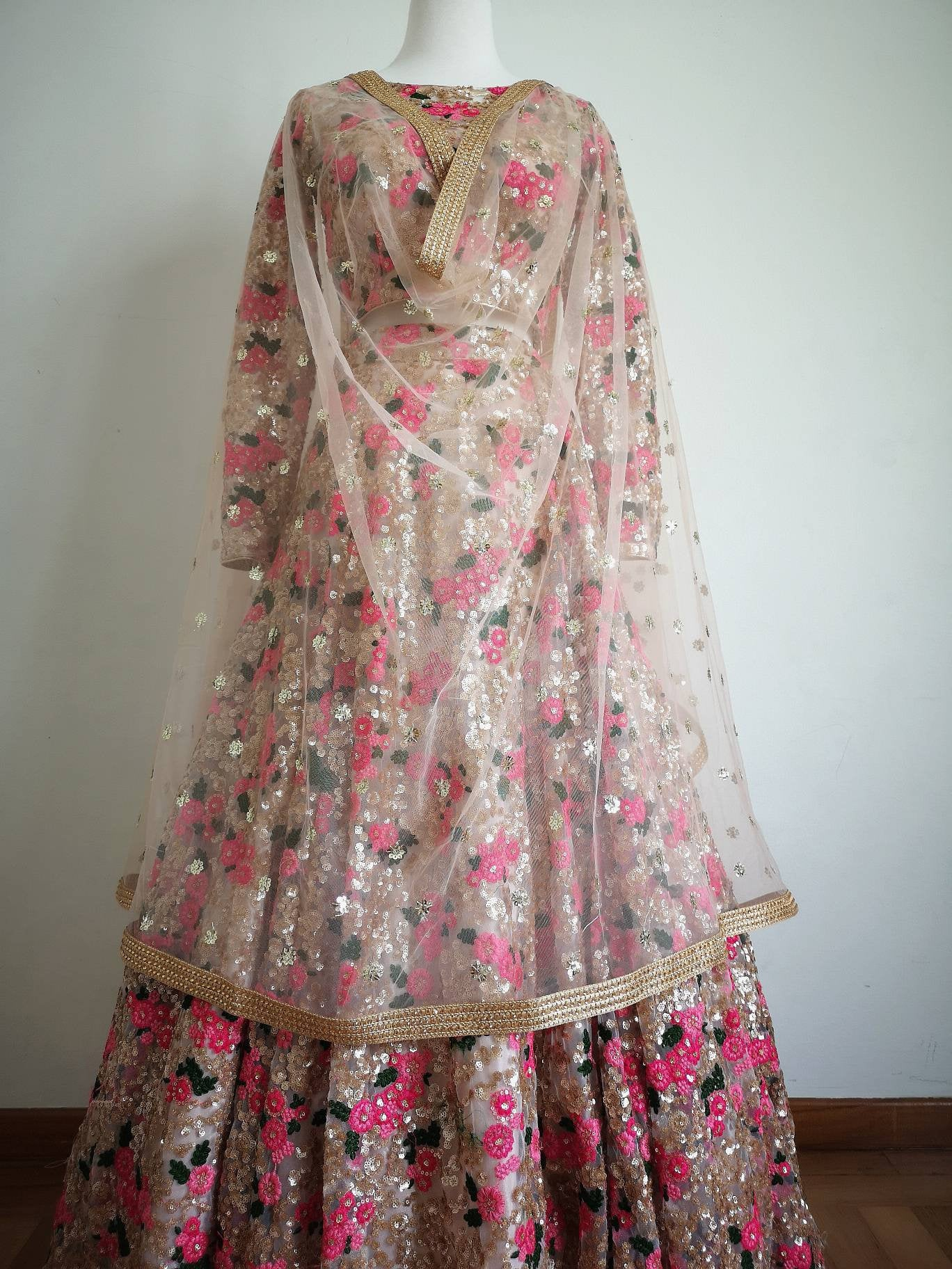Sabyasachi Stunning Gold floral embroidery for lehenga, gown, anarkali Indian Pakistani wedding bride bridal bridesmaid - Pink Chunari