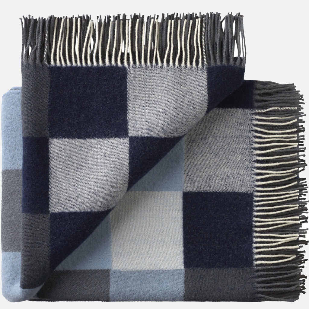 Plain Beat Throw  -  Muted Blues