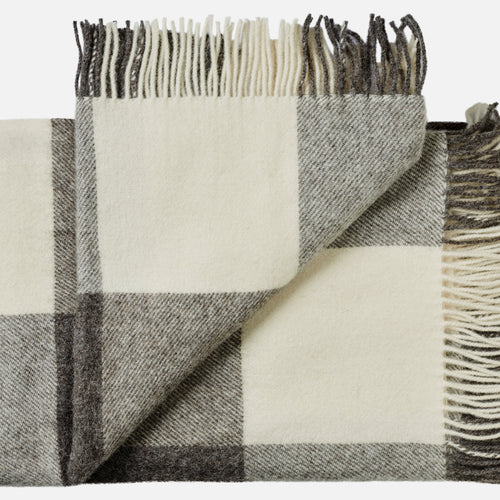 Ærø throw — White & Grey Blocks