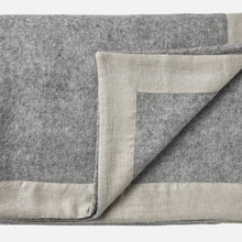 Gotland throw — Light Grey