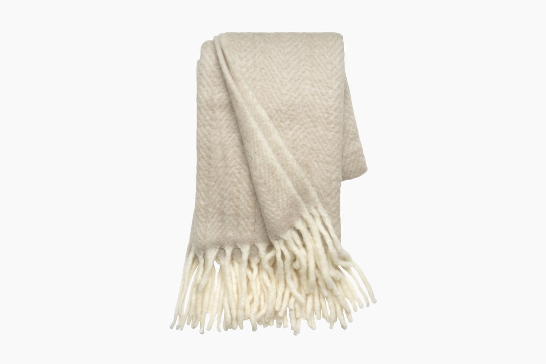 Mathea beige throw by cozy living