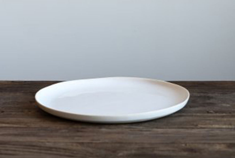 dinner plate in off white