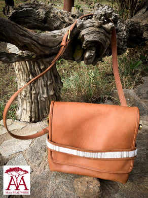 Tuck-in Handbag in tan-leather
