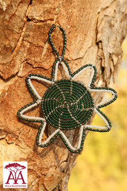 Christmas star in green gold and white beading design