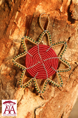 Christmas star in red green gold beading design
