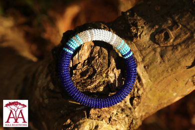 Enkirena Bracelet in dark and pale blue