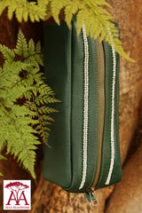 Washbag pouch in green leather