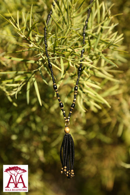 Tassel necklace in black