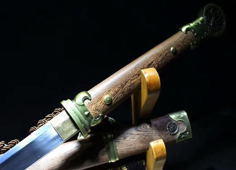 Pei Dong war jian(High carbon steel blade,Rosewood scabbard,Alloy fitted)Length42""