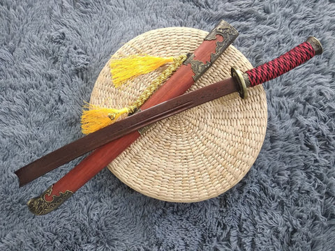 Broadsword,Damascus steel blade,Redwood