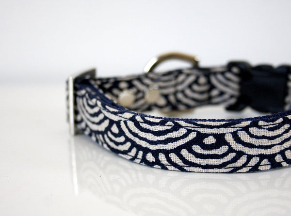 waves dog collar