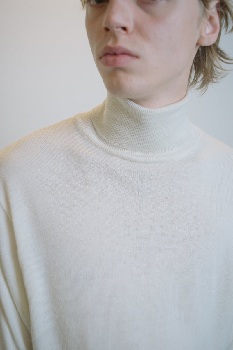 Off-White Wool Turtleneck Sweater - Studio Travel