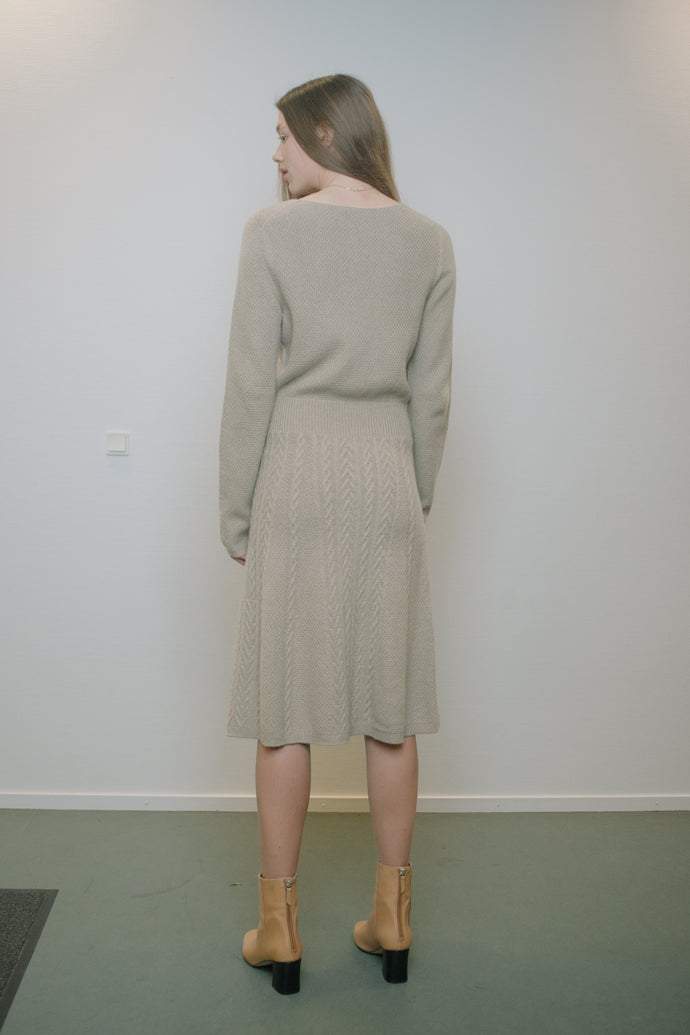 Max Mara Long-Sleeve Wool Midi-Dress - Studio Travel