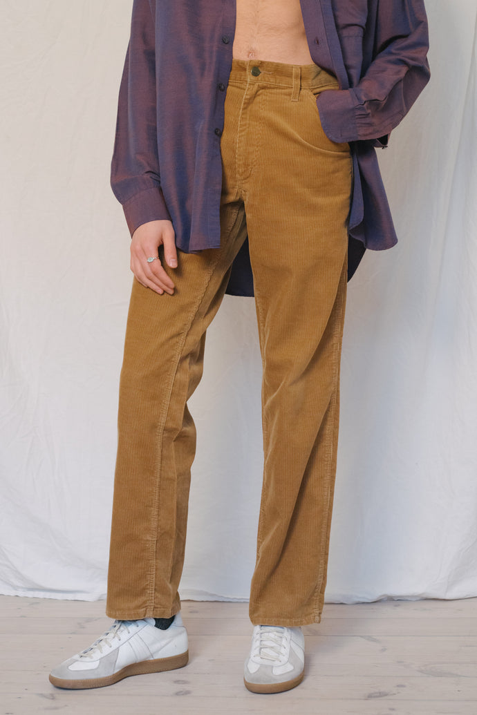 Carhartt Corduroy Pants - Studio Travel