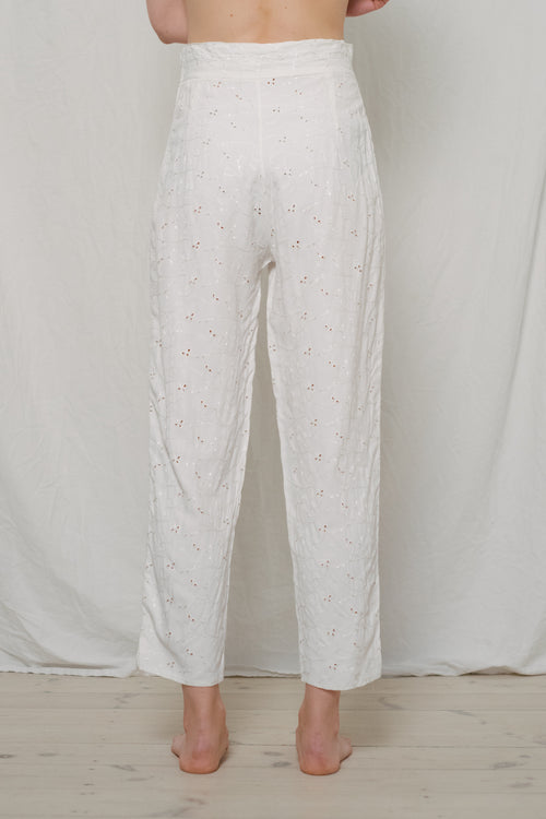 Vintage Broderie Anglaise White Pants - Studio Travel