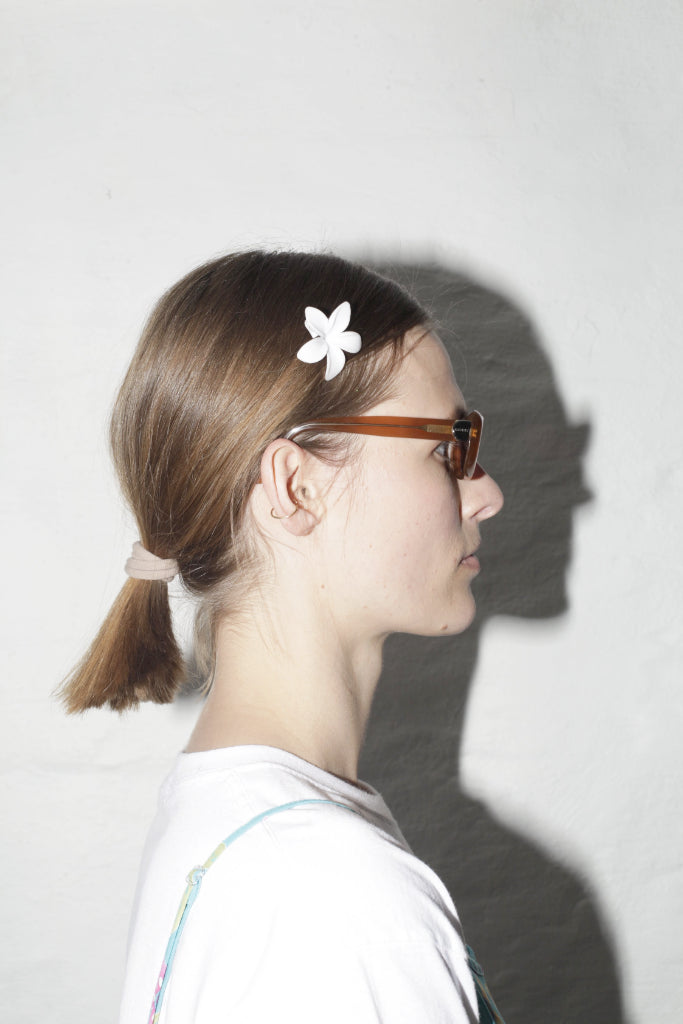 White Flower Side Hair Clip