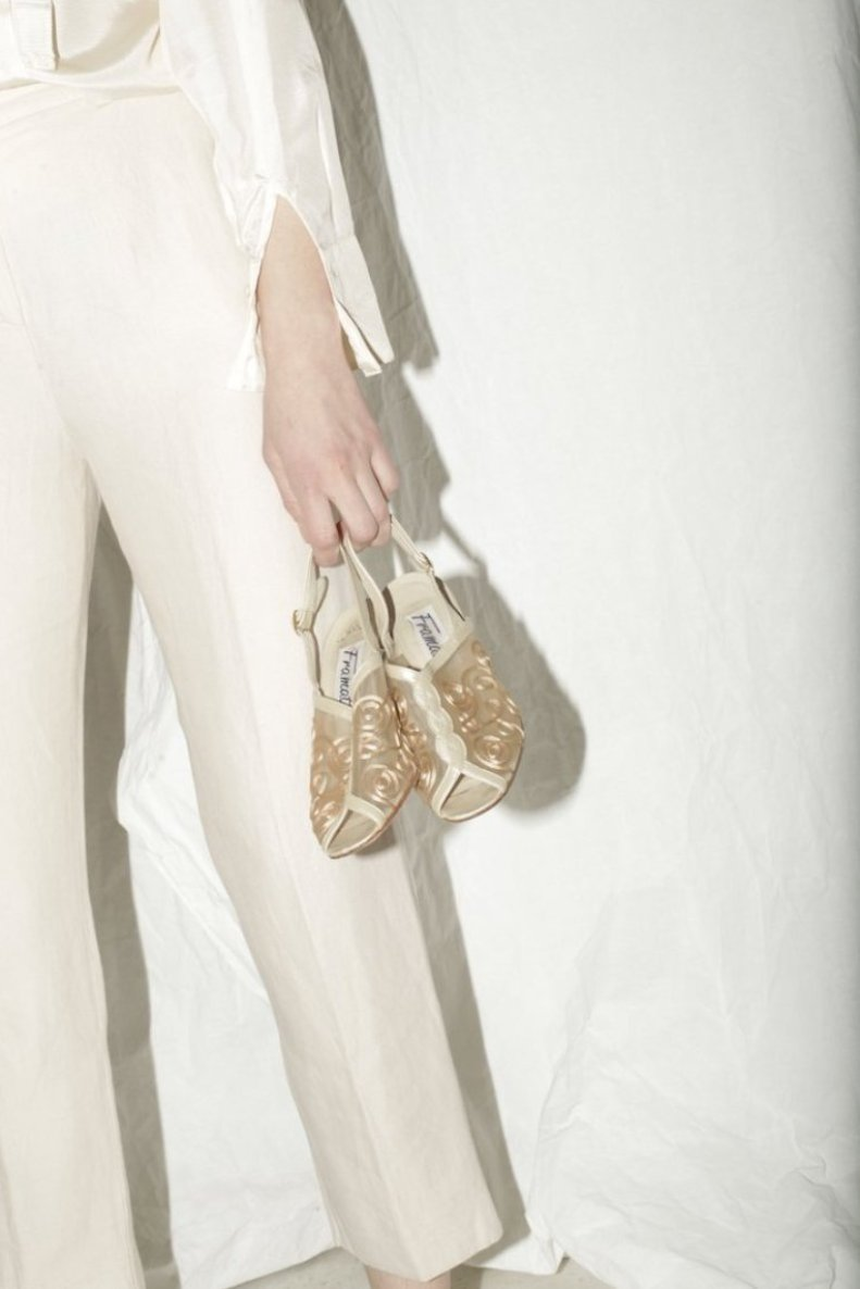 Vintage Cream Net Embroidered Heels