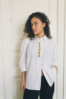 Vintage White Shirt With Sunflower Embroidery