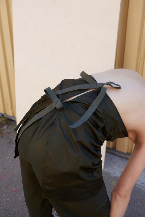 Unisex Green Nylon Apron - Studio Travel