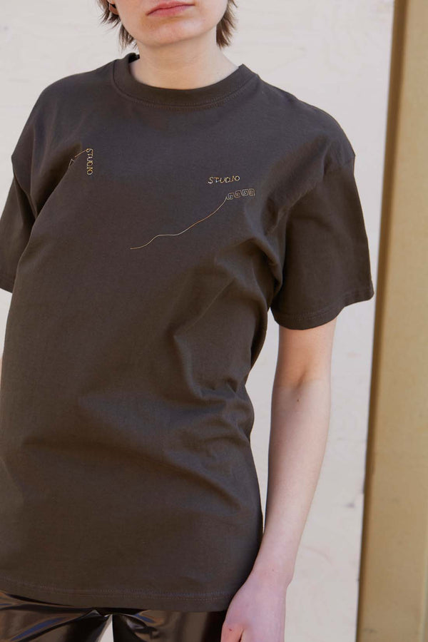 One-of-a-kind Embroidered Brown T-Shirt - Studio Travel