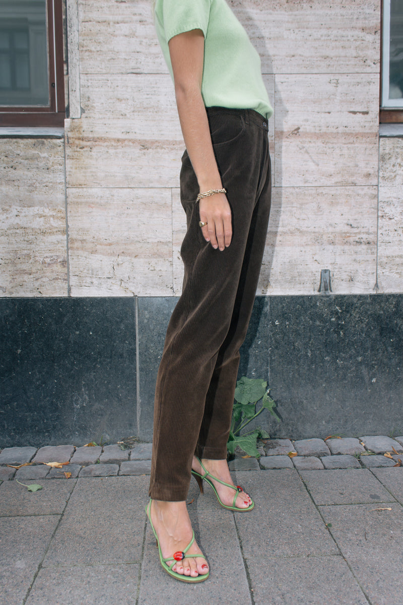 Brown Highwaisted Corduroy Trousers
