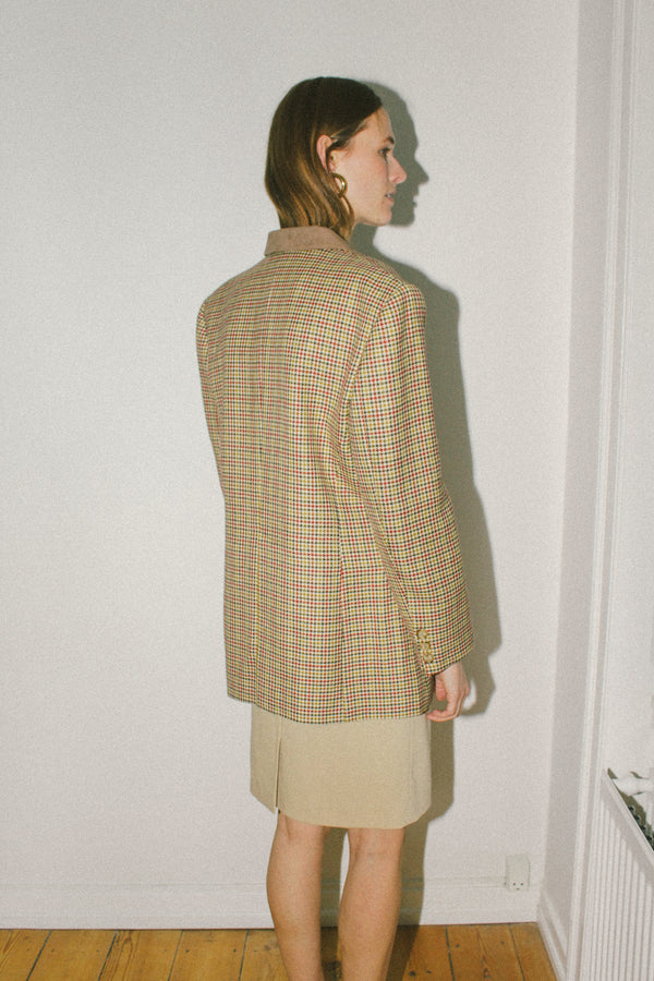 Traditional English style houndstooth blazer